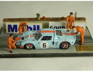 Microworld MWBE06 DIORAMA FORD GT 40 WINNER LM 1969 1:43 Modellino